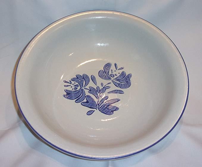 Pfaltzgraff Yorktowne Pattern HUGE 3 Quart Serving Bowl